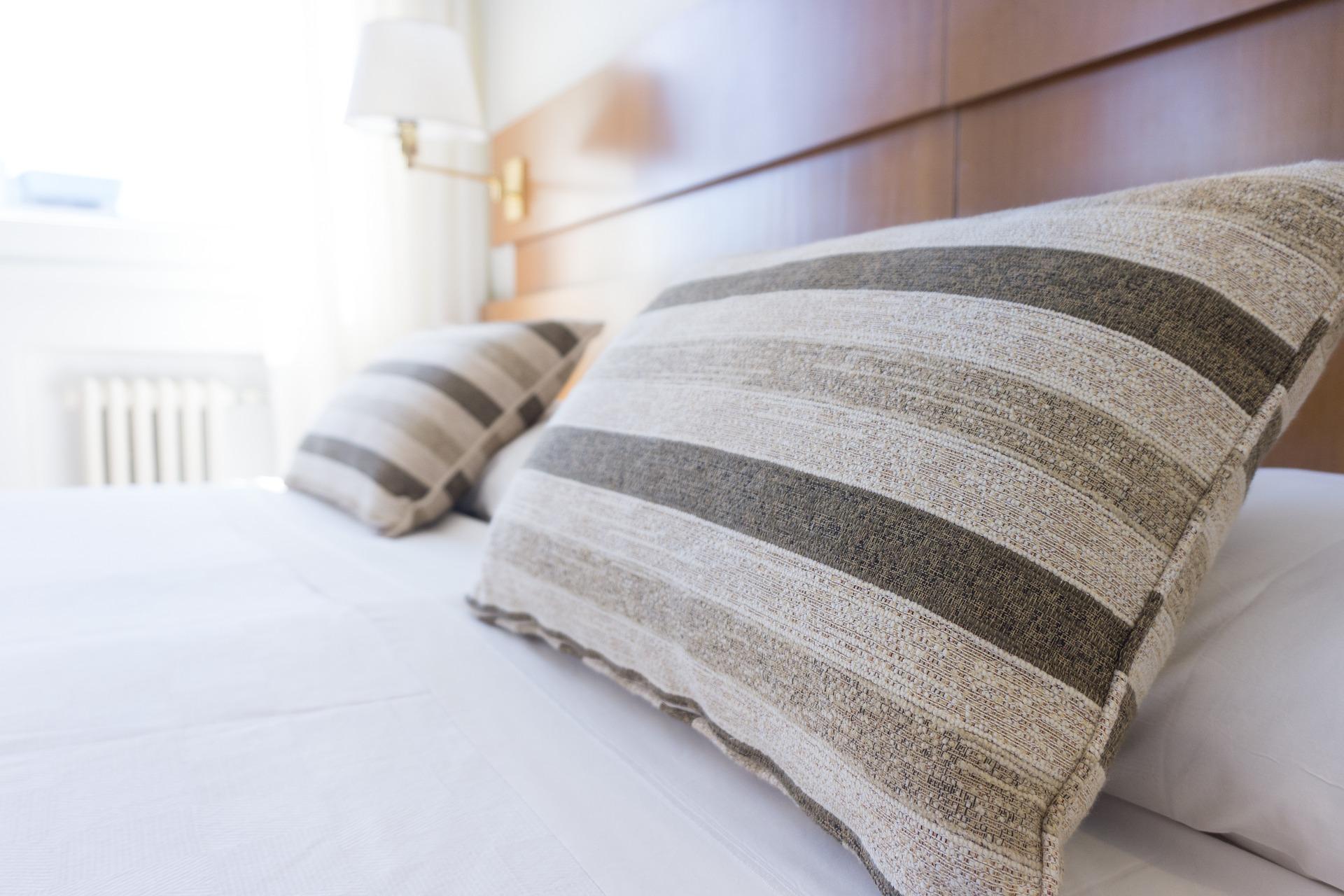 Ordnung im Schlafzimmer (halten)