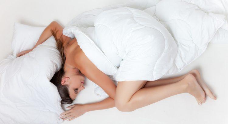 Welche schlafposition verhindert schnarchen